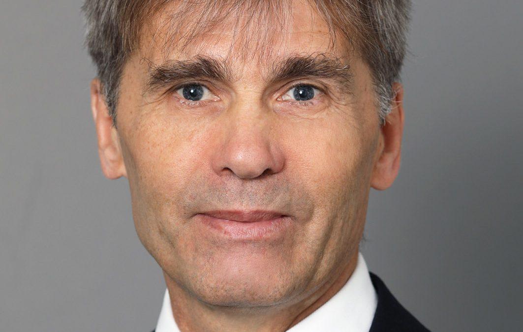 Dr. Fenyves Tibor